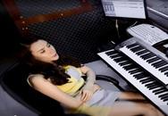Xem Hồ Quỳnh Hương mặt mộc hát live