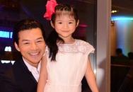 Trần Bảo Sơn một mình dẫn con gái dự tiệc trước tin đồn ly hôn