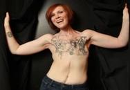 Những phụ nữ dũng cảm cắt vú xăm hình