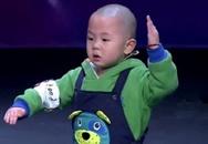 """Amazing Chinese """"phát sốt"""" vì cậu bé 3 tuổi"""