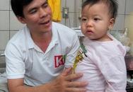 Cứu sống em bé bị biến chứng nặng do sởi