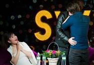 Hai hotboy hôn nhau trên sân khấu, cả khán phòng xôn xao