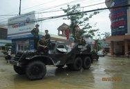 Xe lội nước của quân đội giúp thí sinh tới điểm thi ở Thái Nguyên