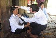 Đoàn công tác Bộ Y tế khảo sát điều trị bệnh viêm da bàn tay, bàn chân