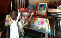 Rớt nước mắt bé trai 3 tuổi mồ côi cha mẹ vì tai nạn giao thông