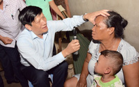 Hàng trăm người làm hành tím bị mù mắt ở Sóc Trăng