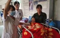 """Cháu bé bảy năm đau đớn với cái """"chân voi"""" đã qua đời"""