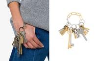 Tay xách làn đi chợ, cổ đeo vòng chìa khóa giờ mới là mốt sành điệu của giới thời trang