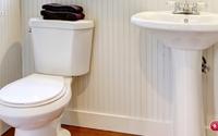 Nhà vệ sinh mấy tuần vẫn bóng loáng, thơm tho nhờ những mẹo