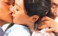 Bị chồng đẩy tới đường cùng, tôi có nên ngoại tình với giai trẻ biết yêu thương?
