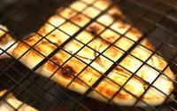 Mực nướng chấm muối ớt xanh nóng hổi thơm phức