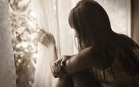 Vợ chết lặng với tin nhắn trong điện thoại của chồng