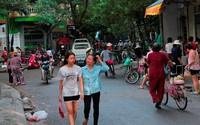 """Hà Nội: Nguy cơ """"ổ bệnh"""" tồn tại 13 năm ngay cạnh trụ sở phường"""