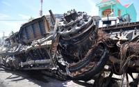 Cận cảnh vụ 2 ôtô bốc cháy do người đàn ông giết vợ lao xe máy vào container tự tử