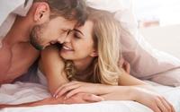 """Chỉ cần làm 6 điều này, phụ nữ sẽ """"mê hoặc"""" chồng trên giường"""