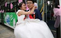 Hành động bất thường của cô dâu trong đám cưới và sự thật khiến chú rể xúc động