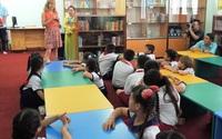 Tranh cãi quy định giáo viên bản ngữ không được gọi học sinh bằng tên tiếng Anh