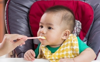 """Nôn trớ ở trẻ sơ sinh và trẻ nhỏ - khắc phục ngay với cơ chế """"Làm sánh sữa"""""""