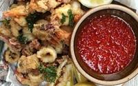 Hải sản chiên giòn chấm sốt chua ngọt