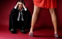 Chồng bên cạnh mà vợ phải tưởng tượng đang ái ân với người khác