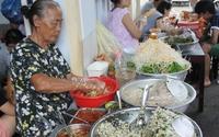 Quán mít trộn 'bà già' 30 năm chưa khi nào vắng khách ở Đà Nẵng