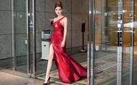 Ngọc Duyên diện váy xẻ cao đi chấm thi 'Miss Grand Japan 2017'