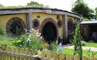Ngất ngây trước ngôi nhà Hobbit ngoài đời thực