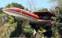 Liều mua vỏ máy bay Boeing về làm nhà, bà cụ khiến mọi người kinh ngạc