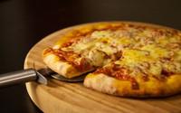 """Kinh nghiệm đơn giản để pizza mua về nhân và bánh không """"mỗi thứ một nơi"""""""