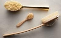 Sáng mai bạn hãy thử chải da khô, phương pháp cổ truyền nghìn năm giúp da trẻ hóa, săn chắc, mịn màng nhé!