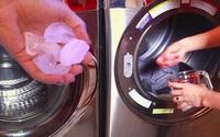Hết đổ vào bồn cầu, vợ còn đổ đá lạnh vào máy giặt khiến chồng tròn mắt