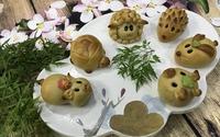 Bánh nướng Trung thu hình lợn con xinh xắn