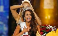 Nữ chính trị gia 23 tuổi đăng quang Hoa hậu Mỹ
