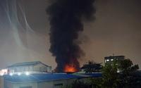 Công ty dệt may Thành Công ở Sài Gòn cháy ngùn ngụt