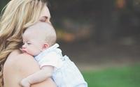 Nhận con nuôi sau 4 năm hiếm muộn, 1 tuần sau cặp vợ chồng mong con lại phải rơi nước mắt