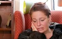 Cảnh sát bắt mẹ 3 con vì tội trộm thức ăn nhưng khi lý do được tiết lộ, mọi thứ đã thay đổi