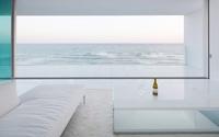 Ngôi nhà ven biển trắng không tỳ vết