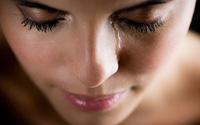 Phụ nữ ơi, đừng gào khóc, trách móc khi chồng không kiếm ra tiền