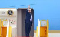 Tổng thống Mỹ Donald Trump rời Việt Nam