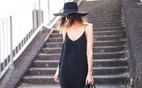 Những kiểu váy hè các nàng nên tránh mặc tới công sở để không phản cảm