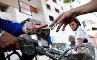 Xăng dầu đồng loạt giảm nhẹ từ 15h chiều nay