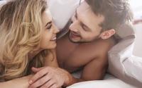 Vì sao phụ nữ thường cảm thấy yêu đàn ông hơn sau khi quan hệ với họ?