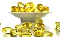 Không mua được mỹ phẩm xịn thì mua vài viên vitamin E rẻ tiền này về thoa mỗi đêm cũng đẹp rạng ngời