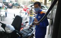 Xăng dầu đồng loạt giảm giá từ 15h chiều nay