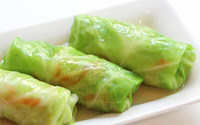 Món ngon mỗi ngày: Bắp cải cuốn thịt hấp lạ mà ngon