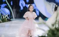 Ngạc nhiên với vẻ lộng lẫy của các bé thiên thần khi diện váy cưới Calla Kids của NTK Phương Linh