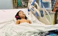Bé 2 tuổi tưởng bị cảm thông thường, hóa ra lại mắc căn bệnh nguy hiểm làm liệt cả tay và vai