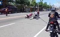 Giả bị tai nạn chết giữa đường để cầu hôn bạn gái