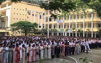 Buổi chia tay hiệu trưởng đầy nước mắt ở trường chuyên Sài Gòn