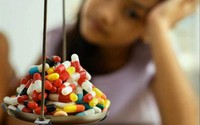 Có thuốc giảm khó chịu cho trẻ mọc răng?